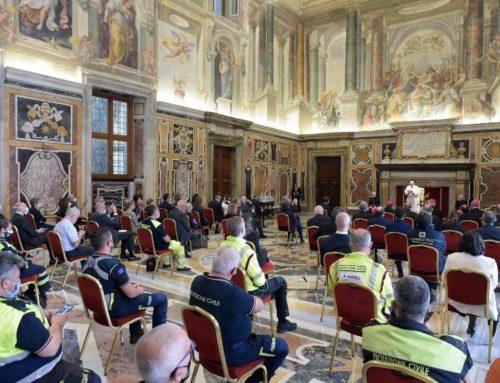 Papa ai medici, infermieri e operatori dalla Lombardia
