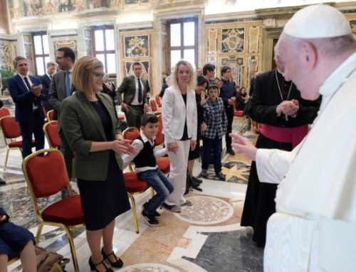 Autism: Pope: each one is beautiful to God who loves us